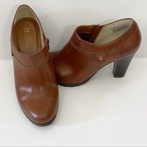 White Mountain Brown Bootie Stacked Heel 7.5